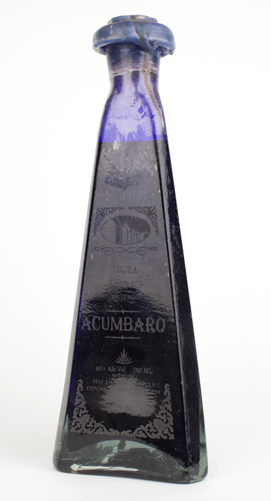 Bottle of Acumbaro Añejo
