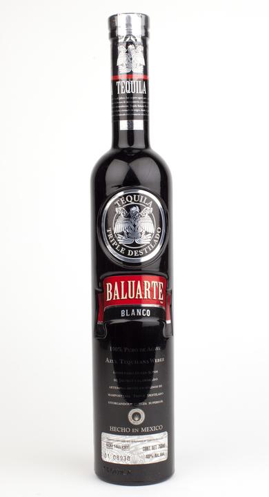 Bottle of Baluarte Blanco