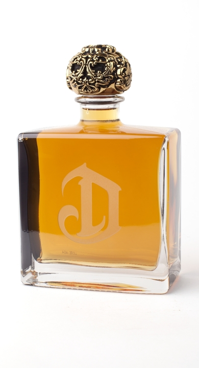 Bottle of Deleon Añejo