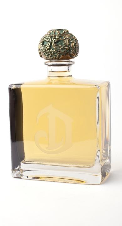 Bottle of Deleon Reposado