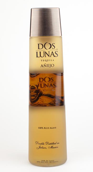 Bottle of Dos Lunas Añejo