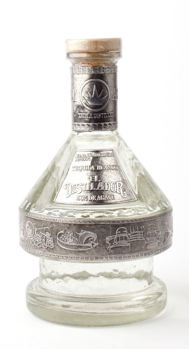 Bottle of El Destilador Blanco