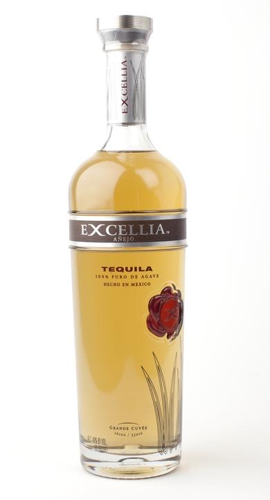 Bottle of Excellia Añejo