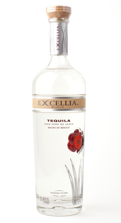 Bottle of Excellia Blanco