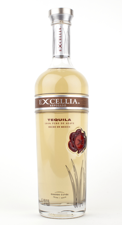 Bottle of Excellia Reposado