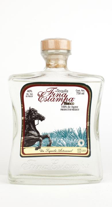 Bottle of Fina Estampa Blanco