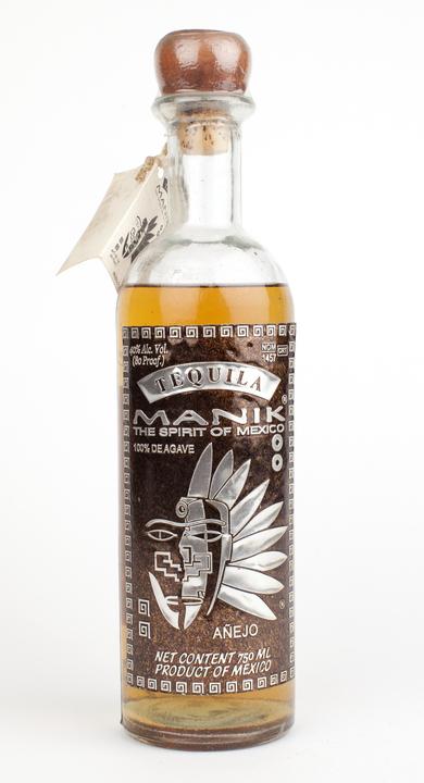 Bottle of Manik Añejo