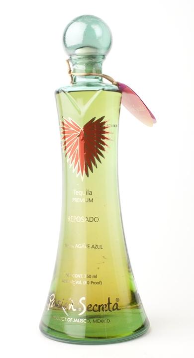 Bottle of Pasion Secreta Reposado