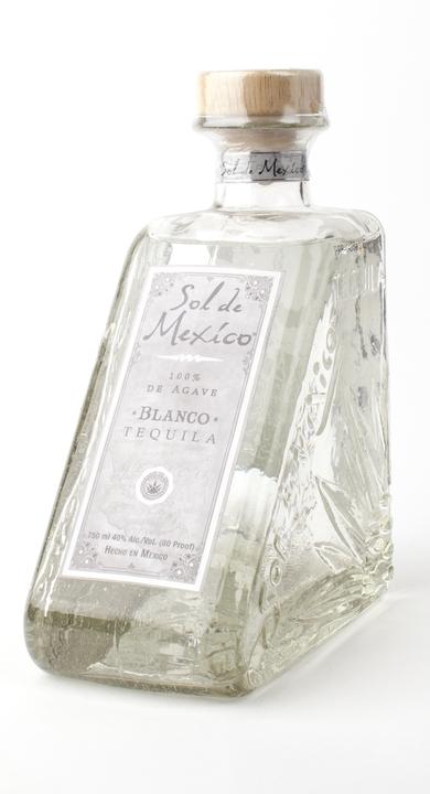 Bottle of Sol de Mexico Blanco
