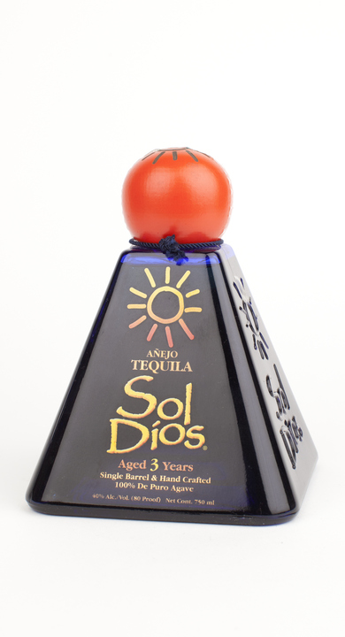 Bottle of Sol Dios Añejo