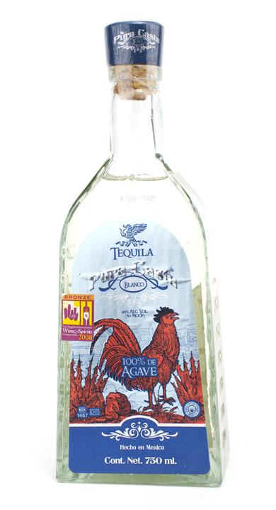 Bottle of Pura Casta Blanco