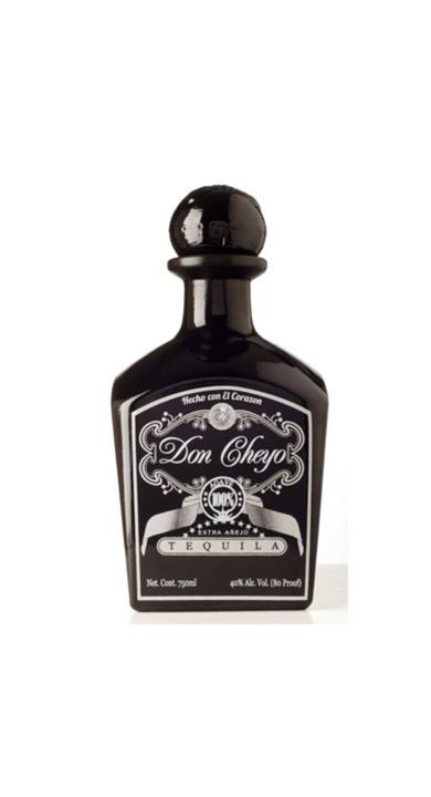 Bottle of Don Cheyo Extra Añejo