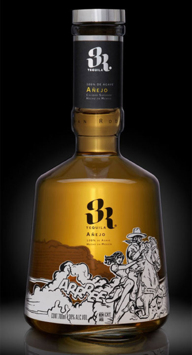 Bottle of 3R Añejo