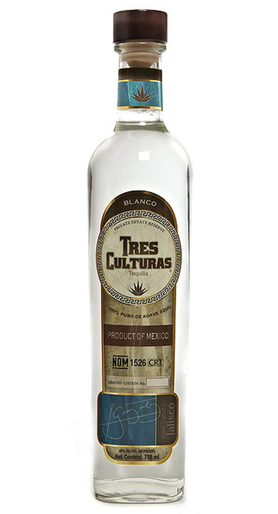 Bottle of Tres Culturas Blanco
