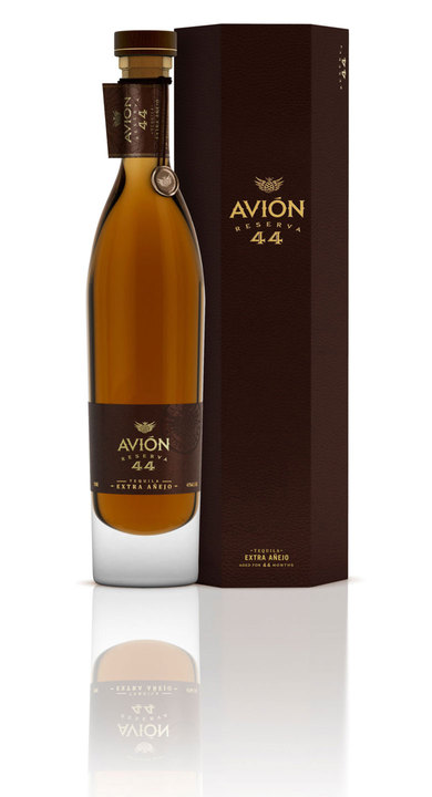 Bottle of Avion Reserva 44