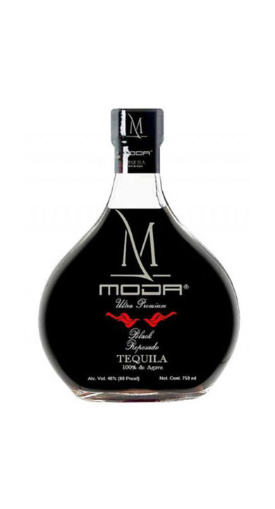 Bottle of Moda Tequila Black Reposado