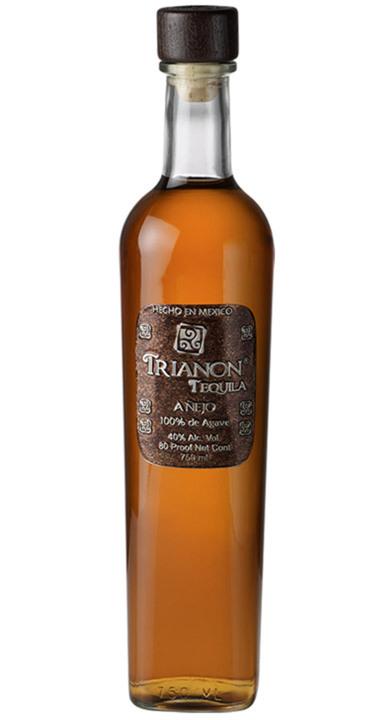 Bottle of Trianon Añejo