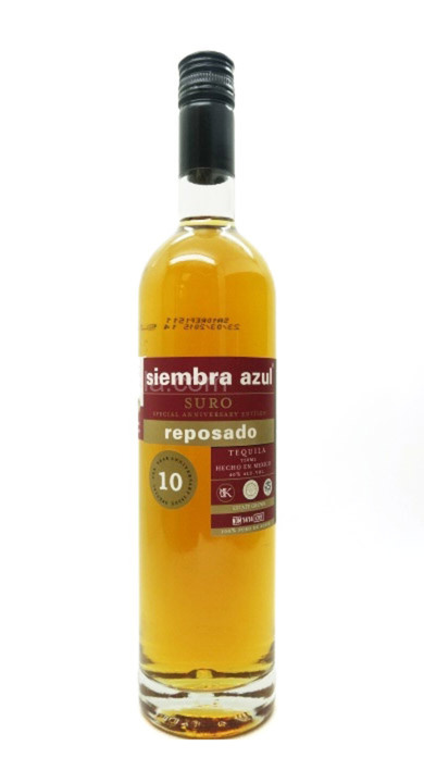 Bottle of Siembra Azul Suro 10th Anniv. Reposado