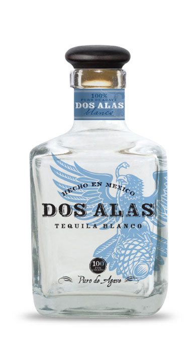 Bottle of Dos Alas Blanco