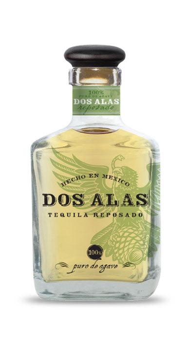 Bottle of Dos Alas Reposado