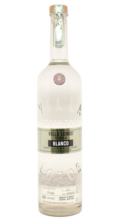 Bottle of Villa Lobos Blanco