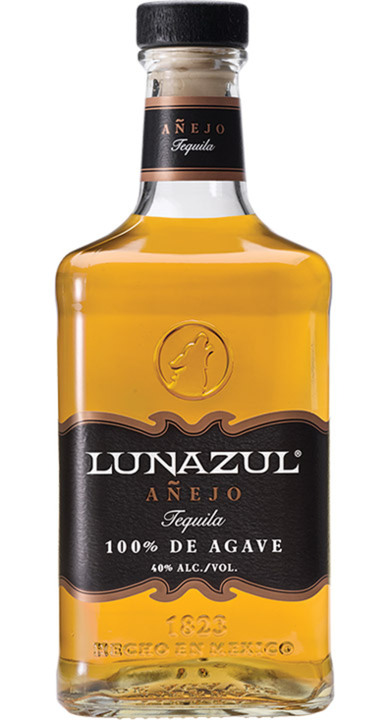 Bottle of Lunazul Añejo