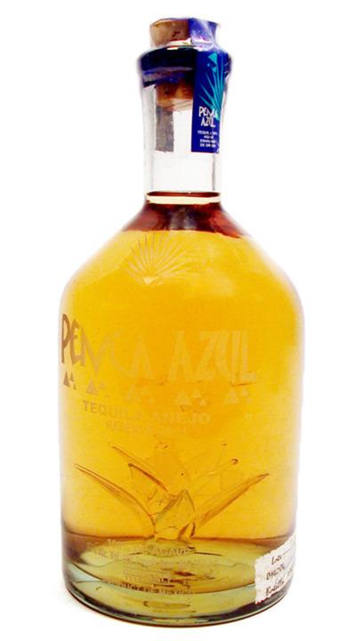 Bottle of Penca Azul Añejo