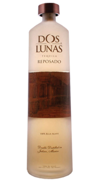 Bottle of Dos Lunas Reposado