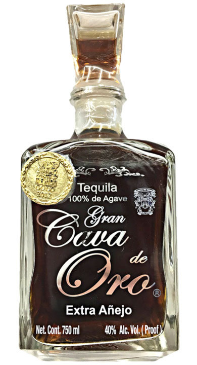 Bottle of Cava de Oro Extra Añejo