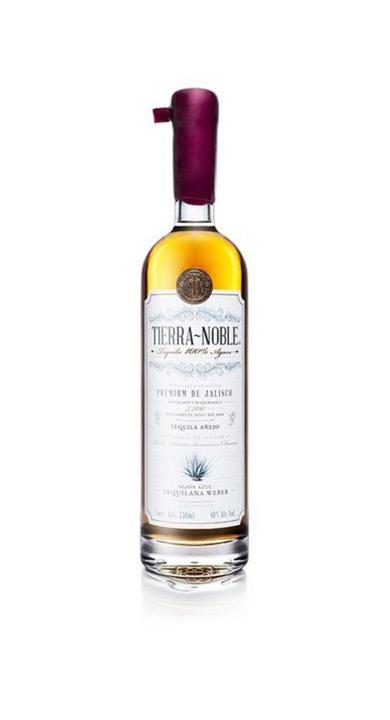 Bottle of Tierra Noble Tequila Añejo