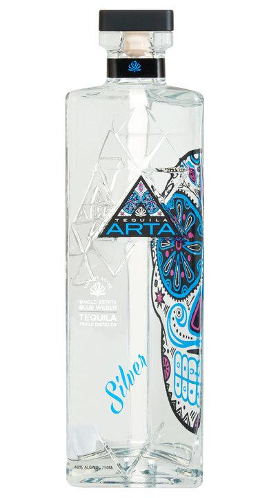Bottle of Artá Tequila Silver