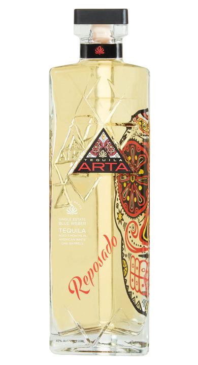 Bottle of Artá Tequila Reposado