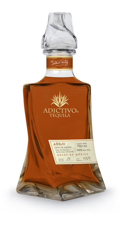 Bottle of Adictivo Tequila Añejo