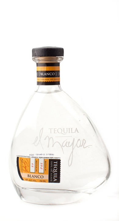 Bottle of El Mayor Blanco