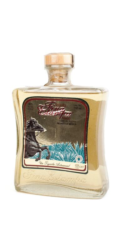 Bottle of Fina Estampa Añejo