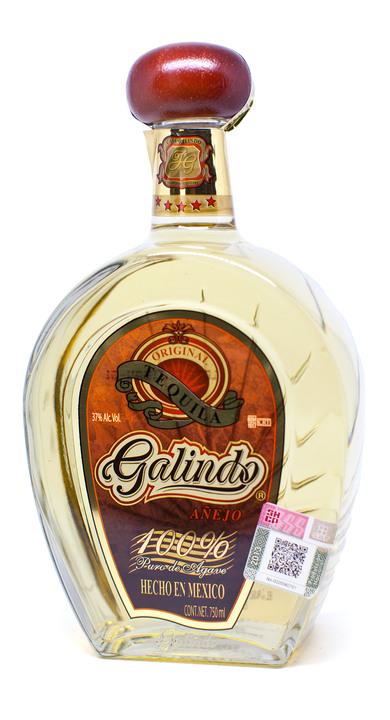 Bottle of Galindo Tequila Añejo