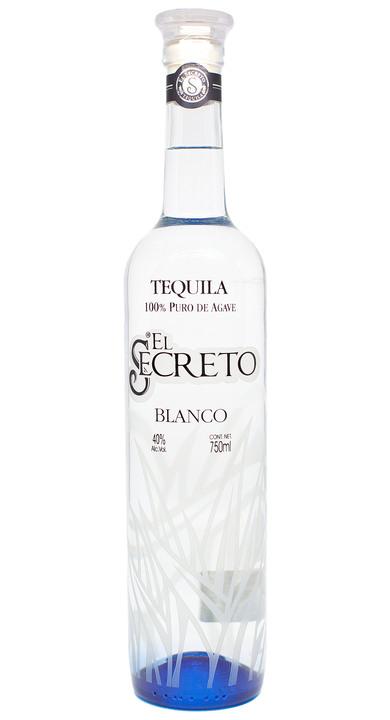 Bottle of El Secreto Blanco