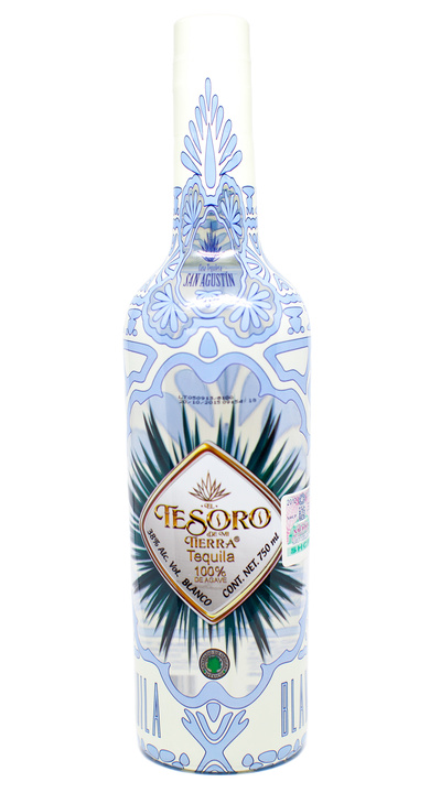 Bottle of El Tesoro de Mi Tierra Blanco