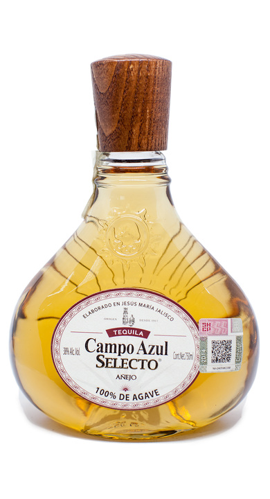 Bottle of Campo Azul Selecto Añejo