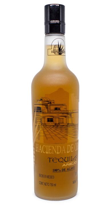 Bottle of Hacienda de Oro Añejo