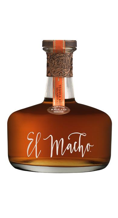 Bottle of El Macho Añejo