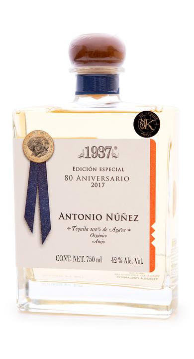 Bottle of 1937 Edición Especial 80 Aniversario Añejo