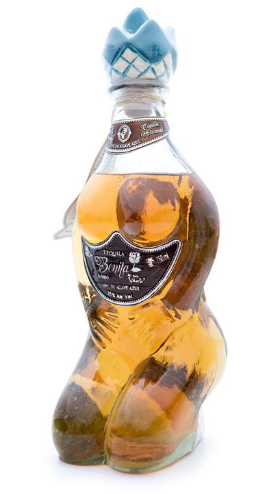 Bottle of Bonita Añejo by Don Valente
