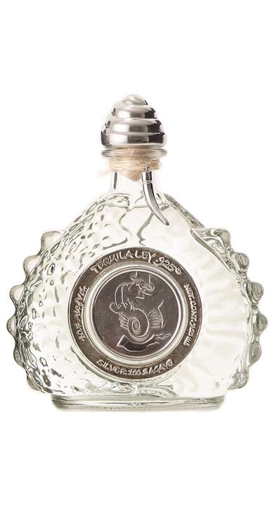 Bottle of Ley .925 Añejo Cristalino