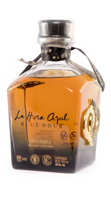 Bottle of La Hora Azul Añejo