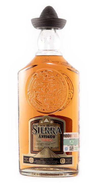 Bottle of Sierra Antiguo Añejo