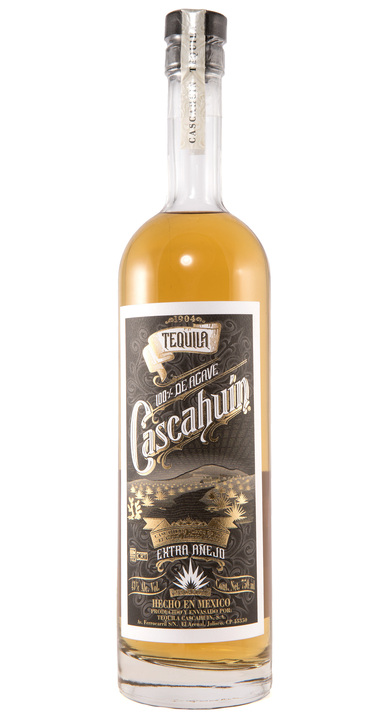 Bottle of Cascahuín Extra Añejo