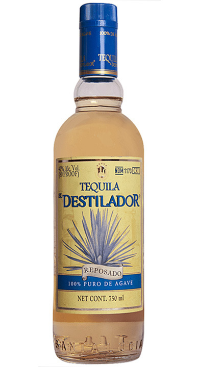 Bottle of El Destilador Clásico Reposado