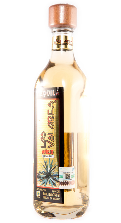 Bottle of Los Valores Añejo