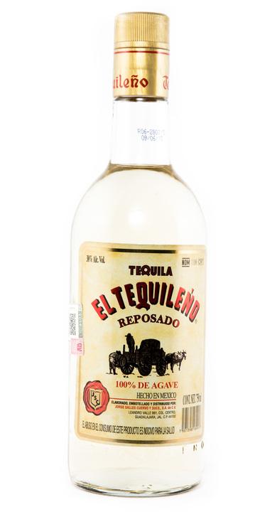 Bottle of El Tequileño Reposado